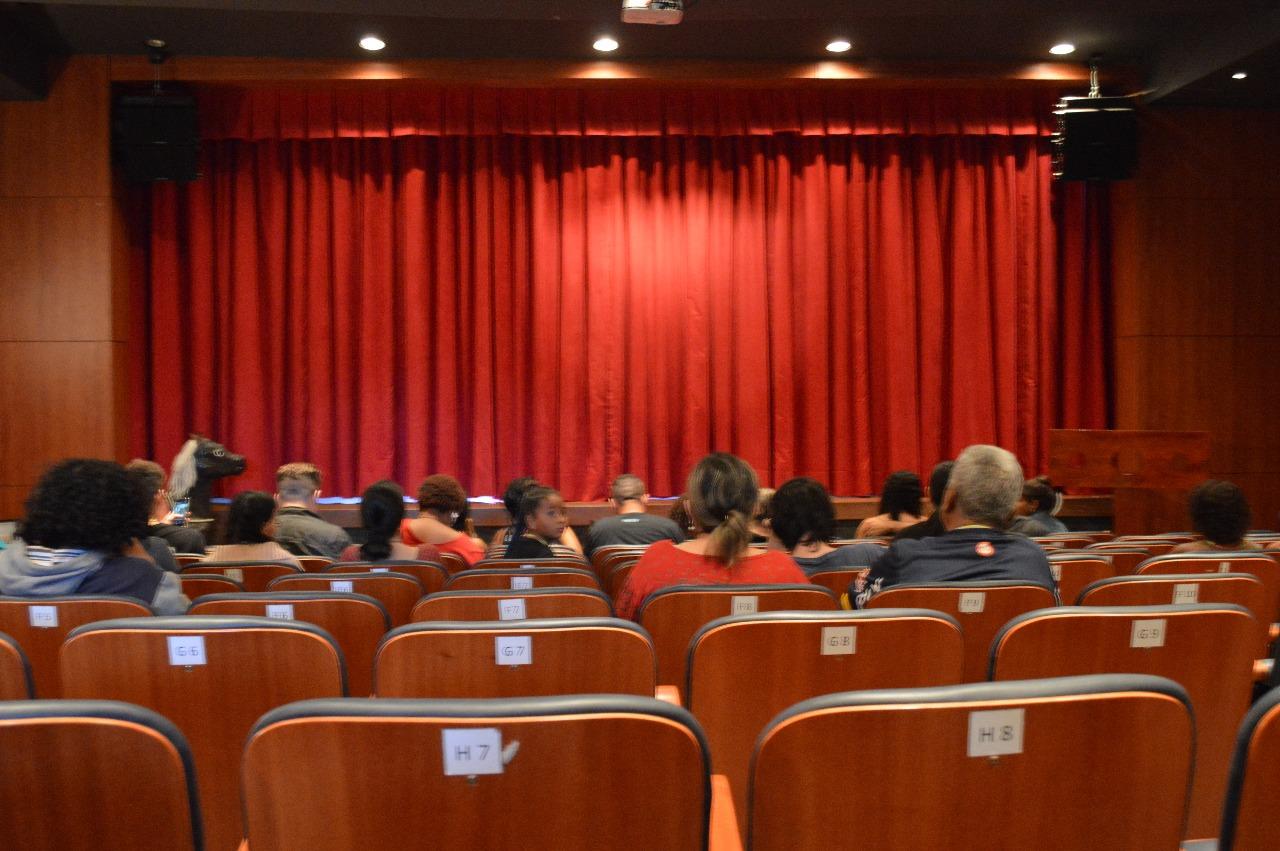 m1newstv-Cia-de-Teatro-de-Imbassaí