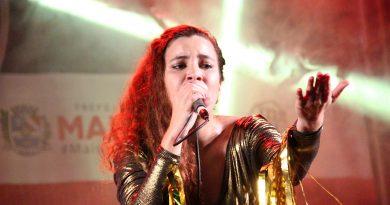 Aumenta que Maricá é rock and roll Roberta Canto Cego